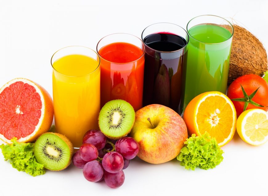 Fresh-juices-fruits_in_glasses